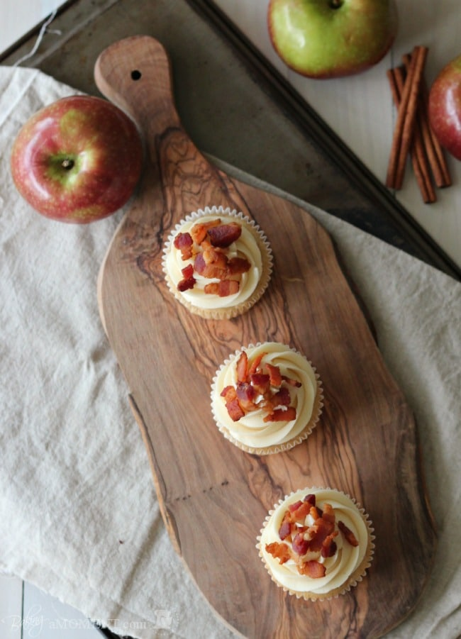 Apple Cinnamon Pancake Cupcakes with Maple Buttercream and Bacon
