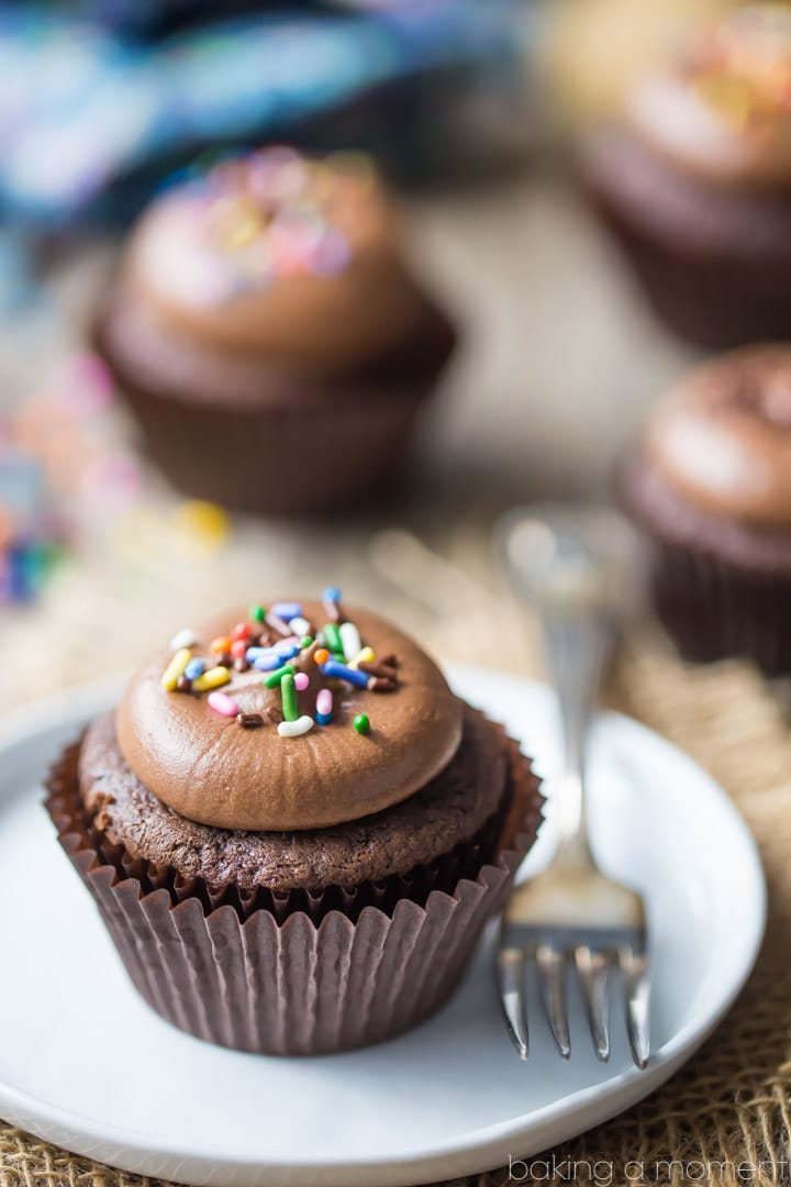 Simply Perfect Chocolate Cupcakes: the chocolaty-est cupcake you'll ever sink your teeth into! These are moist, soft, and so simple to make in just one bowl. food desserts cupcakes