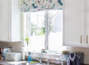 How to Choose Kitchen Window Treatments that are Beautiful and Practical | Baking a Moment