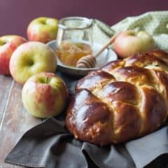 Honey Apple Challah- start off a sweet New Year with this moist, and egg-y yeast bread recipe.