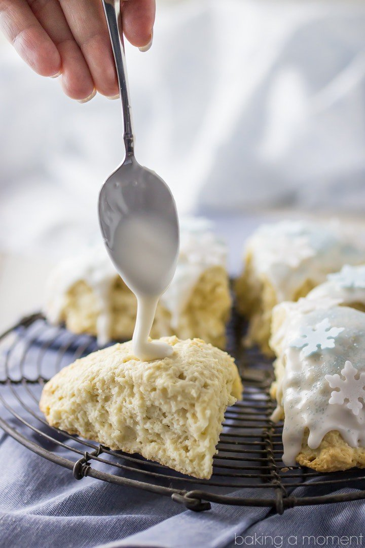 Frosted Vanilla Cookie Scones- PERFECT texture on these scones! And the flavor- so vanilla-y and good! #myBAILEYScreamers #ad