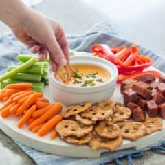 LOVED all the flavors going on in this Cheddar-Blue Beer Cheese Dip! Perfect game-day snack ;)
