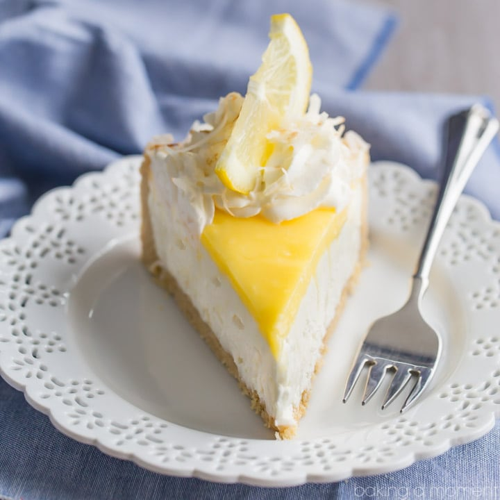 No-Bake Lemon Macaroon Cheesecake: so easy to make and so much incredible lemon and coconut flavor! #beyondfrostingcookbook #nobaketreats