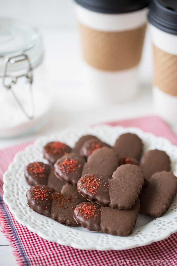 Chile Mocha Shortbread Cookies: So much flavor in these cute little hearts! Tasted just like the new Starbucks flavor, in cookie form. I loved the rich chocolate, cinnamon, and coffee, and there's just a hint of warm spice. Perfect winter treat! food desserts cookies #ad @boldwithbutter