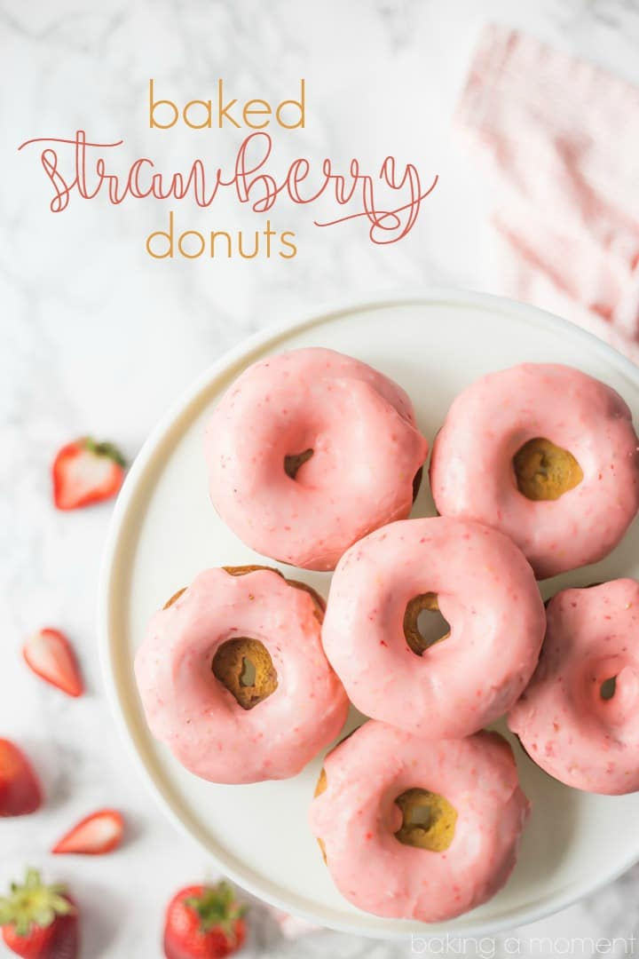 Baked Strawberry Donuts: with fresh strawberries baked right in, and a sweet and tangy pink strawberry icing!  food breakfast donuts