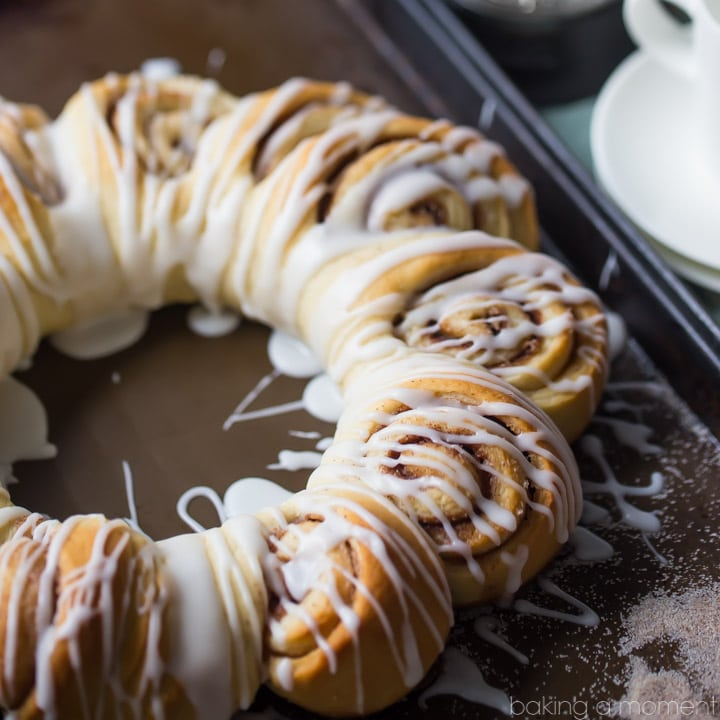 Swedish Tea Ring: a wreath-shaped cinnamon roll loaf drizzled with confectioners' glaze. food breakfast cinnamon rolls #ad @whitelilyflour