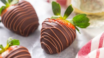Foolproof Chocolate Covered Strawberries Recipe